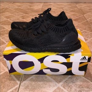 triple black ultraboost size 8
